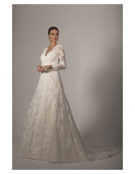 VE8263 - Concepcion Bridal & Quinceañera Boutique