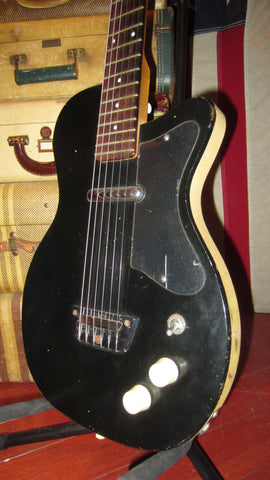 Vintage Original 1957 Silvertone Model 1317 U-1 Peanut Original Black Finish