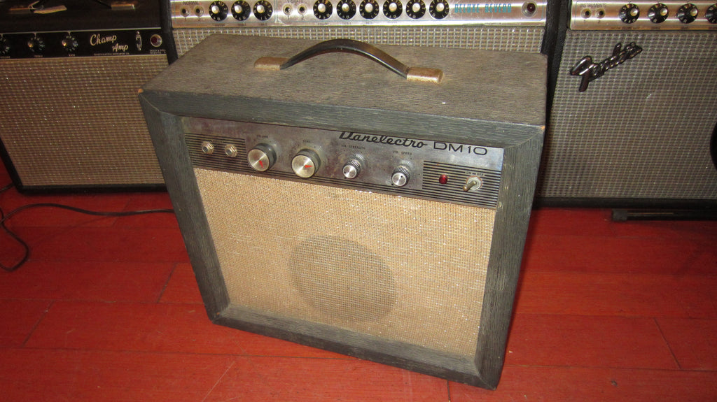 1964 Danelectro DM-10 Combo Amp Black and Silver