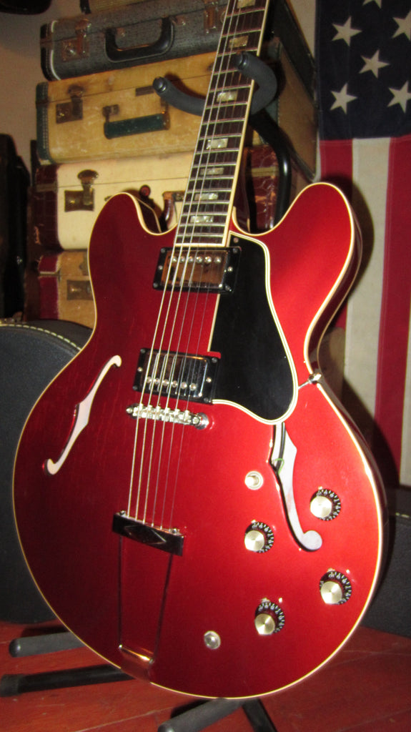 Vintage 1967 Gibson ES-335 Candy Apple Red finish, Patent Humbuckers