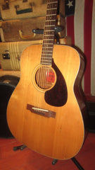 Vintage circa 1969 Yamaha FG-140 Dreadnought Red Label w/ original case