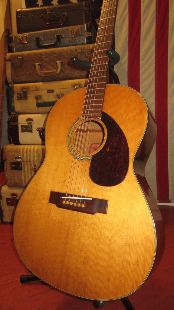 Vintage Circa 1969 Yamaha FG-75 Red Label Small Body Acoustic