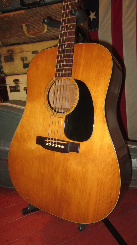 Vintage 1972 Martin D-18 Acoustic Guitar Natural Finish w/ Original Hardshell Case