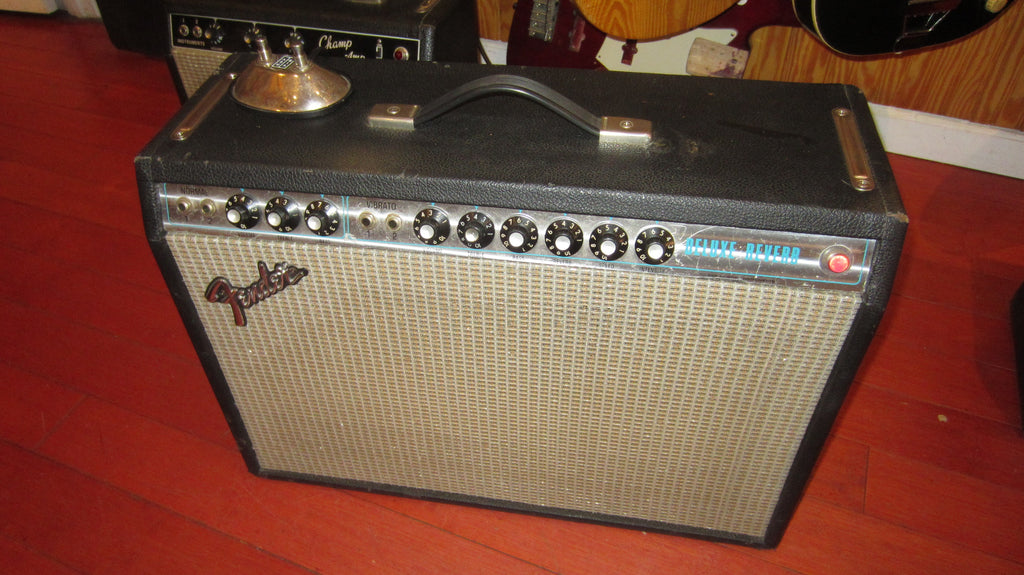 Vintage 1977 Fender Deluxe Reverb Silverface