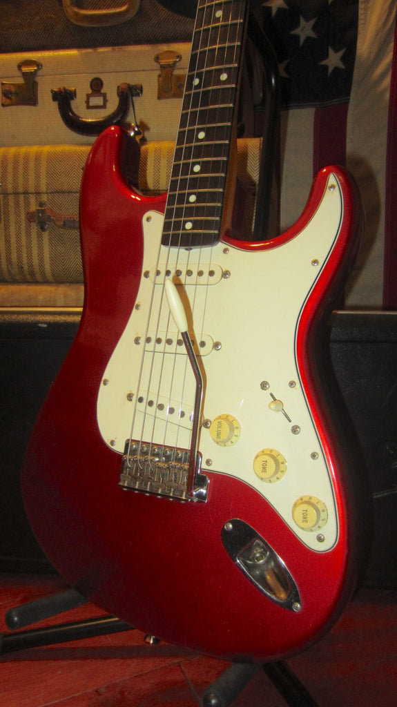 Pre-Owned 1993 Fender '62 Reissue Stratocaster Candy Apple Red w/ Original Case MIJ