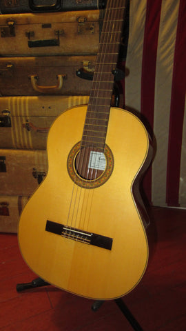 Pre- Owned Luthier LV25 Nylon String Classical