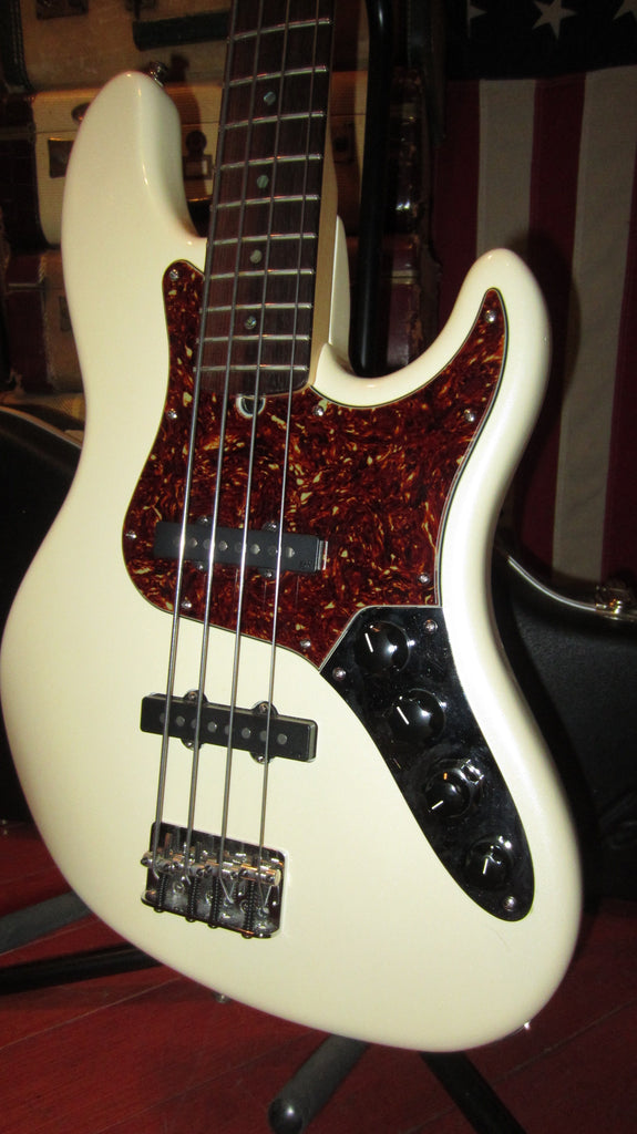 Clean Original 2007 Fender American Jazz Bass Deluxe Pearl White