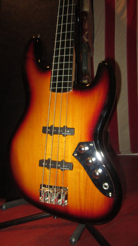 2008 Squier by Fender Classic Vibe Fretless Jazz Bass Vintage Sunburst