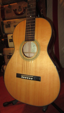 Pre-Owned Like New Recording King PR-10 Acoustic Parlor Guitar