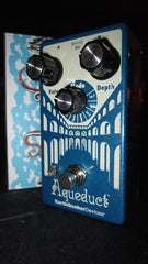 EarthQuaker Devices Aqueduct Pitch Vibrato Effect Pedal!
