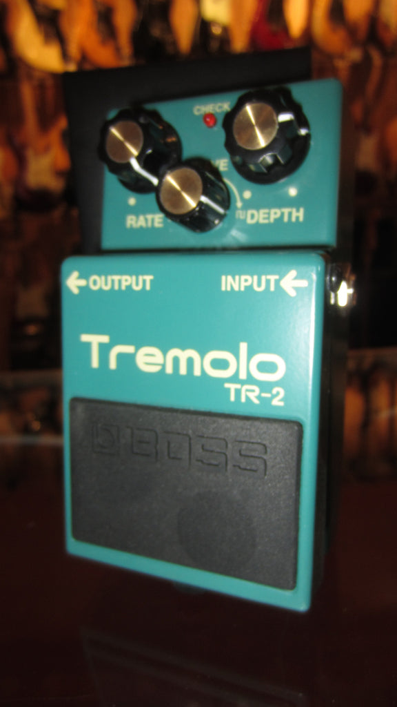 2017 Boss TR-2 Tremolo Pedal Green