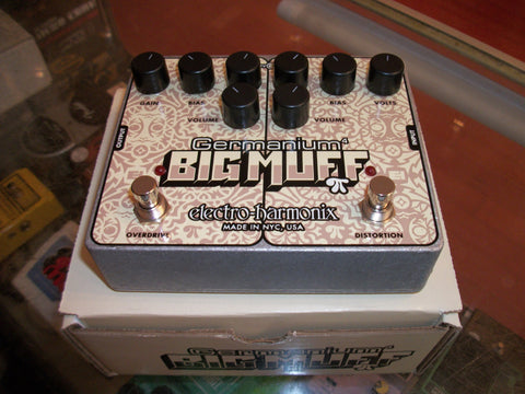 2019 Electro-Harmonix Germanium Big Muff Chrome and White