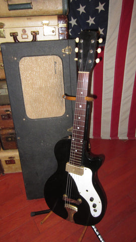 1961 Airline 7214 Amp in Case