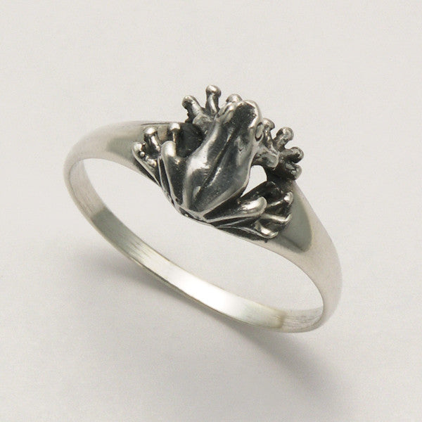 Small Sitting Frog Ring