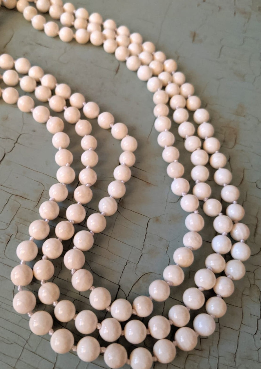 White Polished Magnesite Necklace
