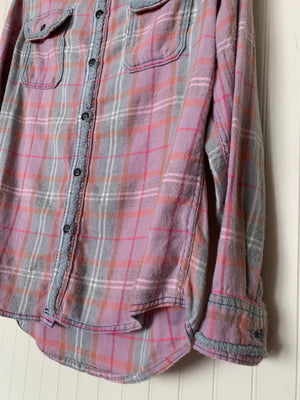 Lily Jack Buck Tufted Flannel- Size Medium