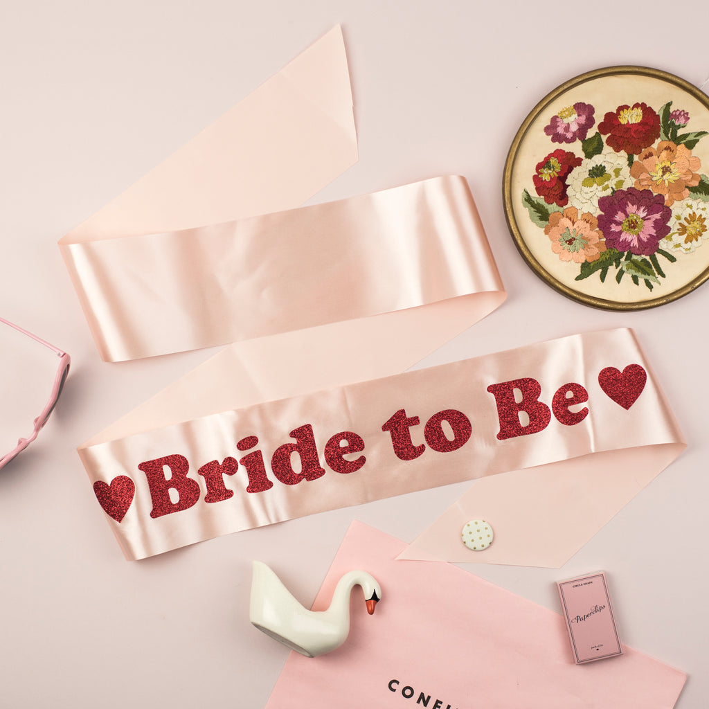 NEW 'Bride to Be' Heart Detail Glitter Print Hen Party Sash