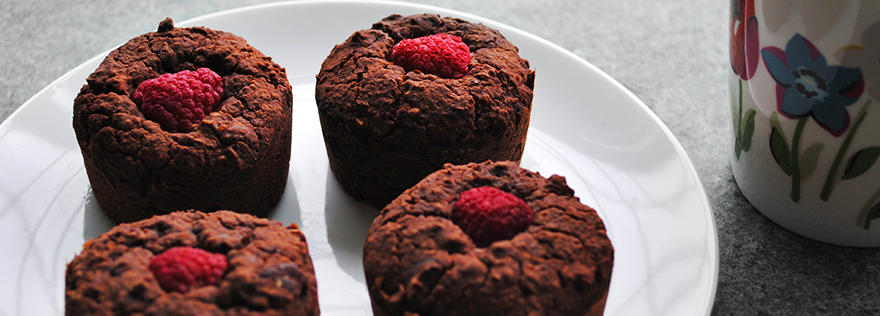 Indulgent Raspberry and Dark Chocolate Mini Cakes | Gluten free | Refined sugar free