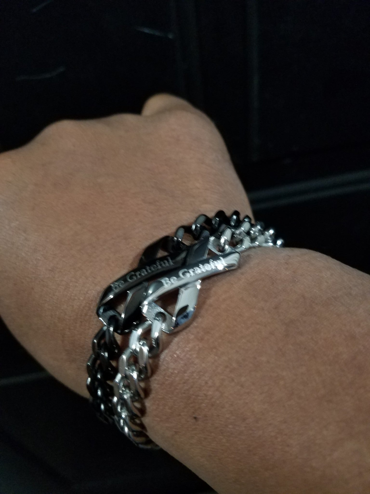 "Black ""Be Grateful"" Link Bracelet - Infinite Reminders"