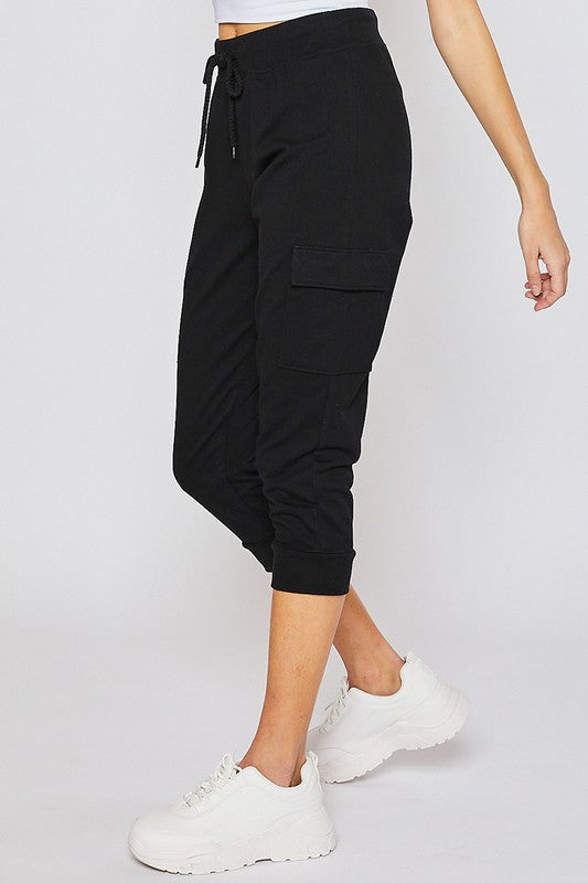 Boyfriend Cargo Capri in Black
