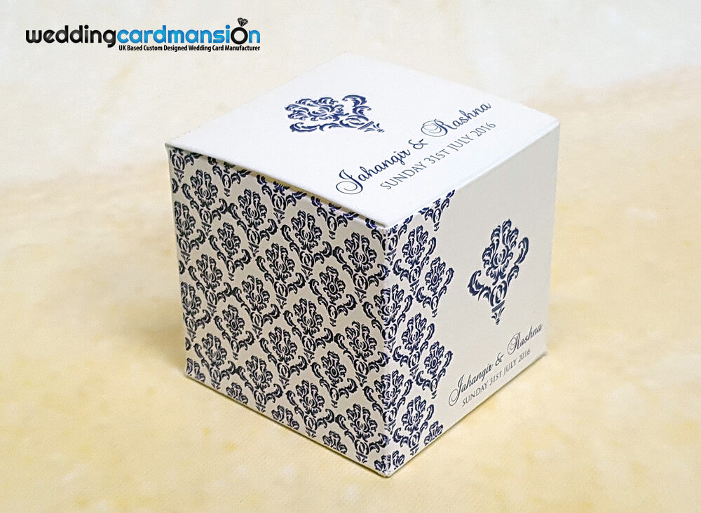 Matching favor boxes to compliment your wedding cards. A perfect way to show appreciation to your guests.