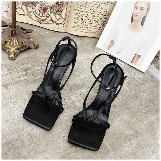 Strappy Square middle toe Heel Sandal