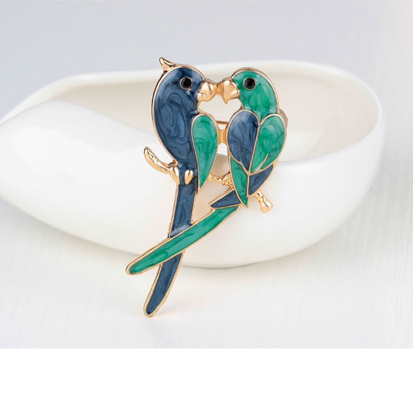 A Pair of Lovebirds Brooch - Luna's Warehouse