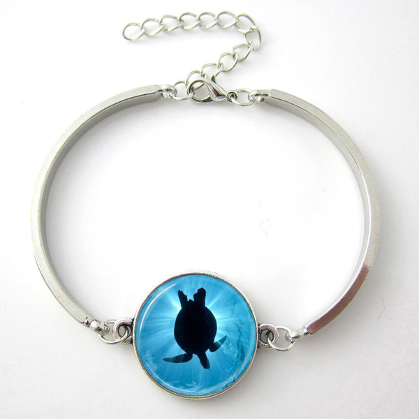 Turtle Silhouette Bangle Bracelet - Luna's Warehouse