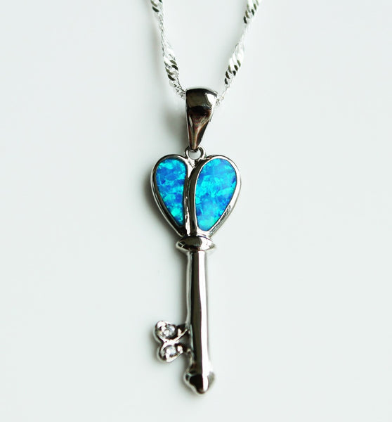 Key to Heart Necklace - Luna's Warehouse