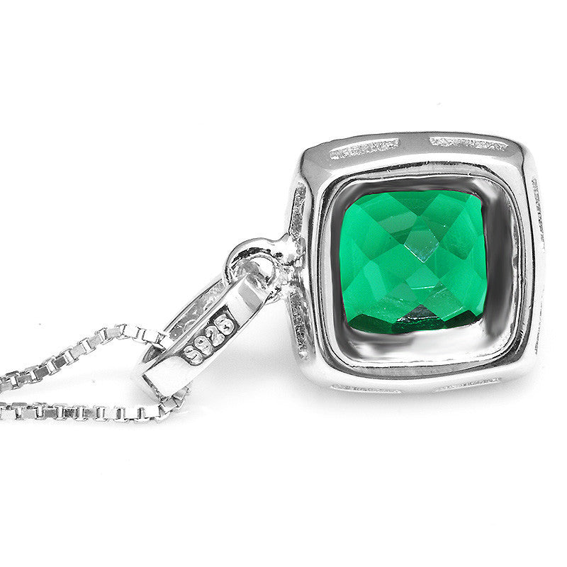 Emerald Pendant - Luna's Warehouse