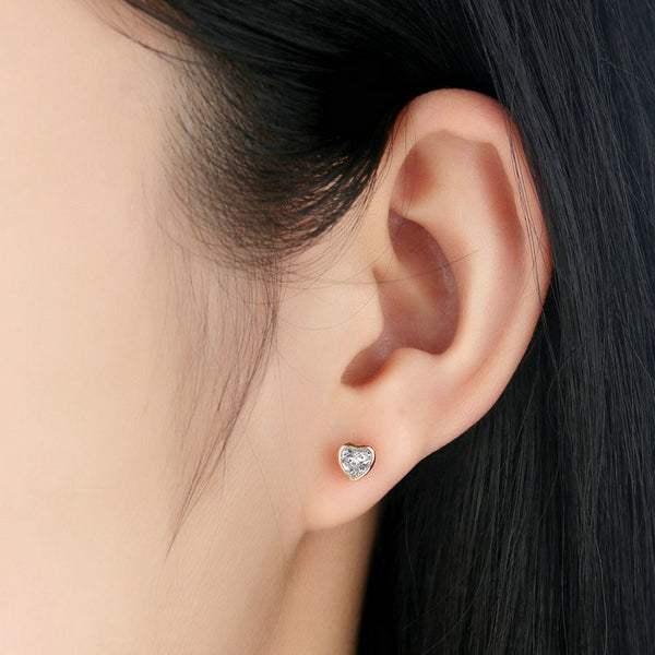 Heart Stud Earrings - Luna's Warehouse