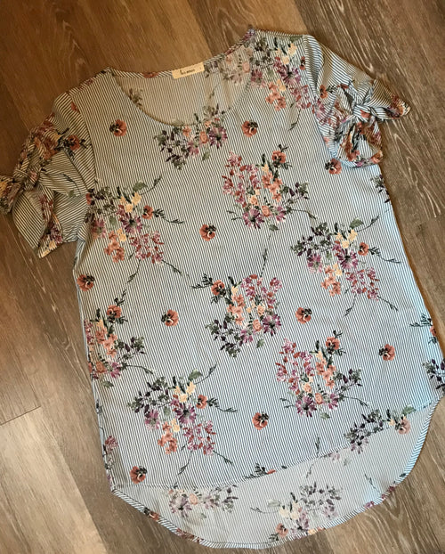 Everything I've Ever Wanted Floral Top-Grey