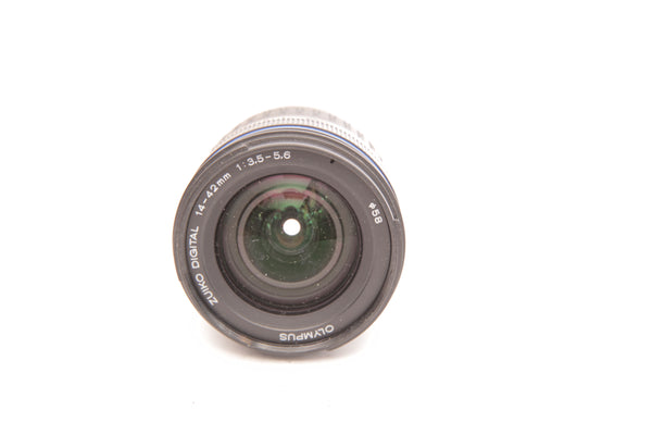 Olympus 14-42mm f3.5-5.6 ED with hood LH-61C - for MicroFourThirds