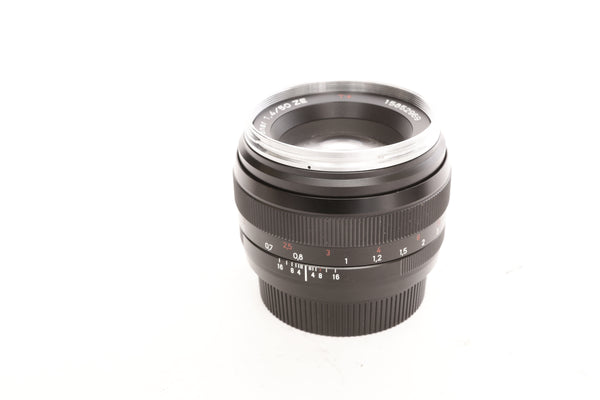 Zeiss ZE 50mm f1.4 Planar T* with hood - for Canon EF