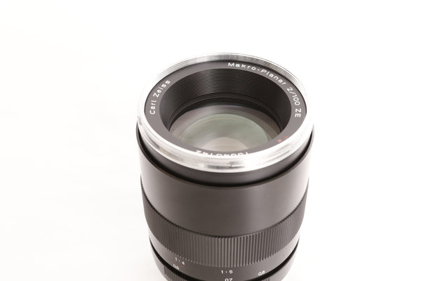 Zeiss ZE 100mm f2 Makro-Planar T with hood - for Canon EF
