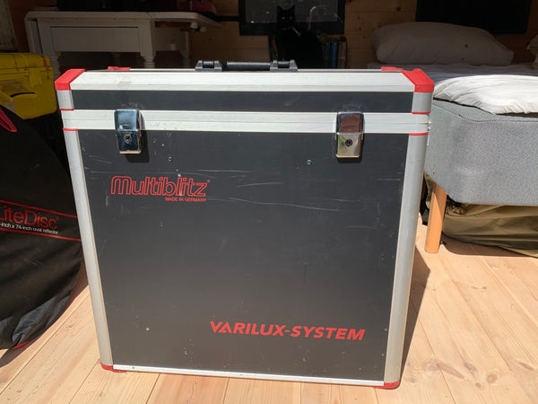 Multiblitz Varilux 1500 S x 2 - with trunk