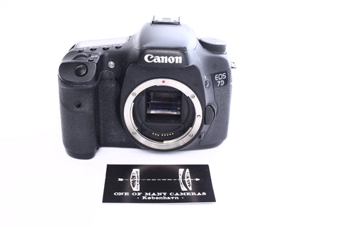 Canon 7D with free battery grip