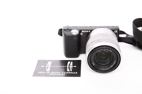 Sony NEX 5 with 18-55mm f3.5-5.6