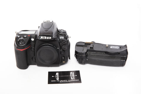 Nikon D700 with batterygrip MB-D10