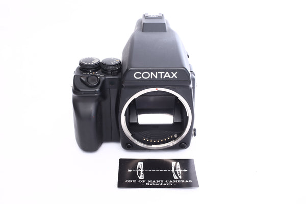 Contax 645 with Prism Finder
