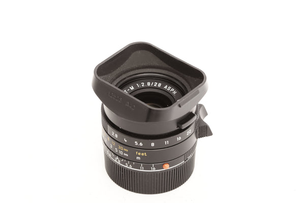 Leica 28mm f2.8 Elmarit-M ASPH with hood 12526 A42