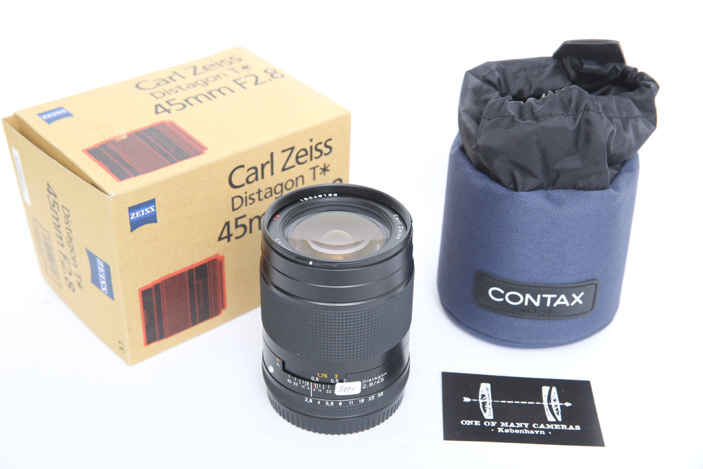 Contax 645 45mm f2.8 Zeiss Distagon with box and pouch
