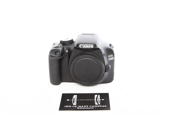 Canon EOS 550D with box