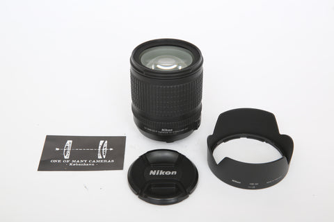 Nikon 18-135mm f3.5-5.6 AF-S G ED with hood HB-32