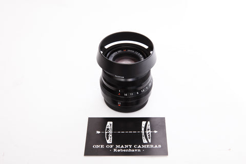 Fuji XF 35mm f2 Super EBC R WR with hood