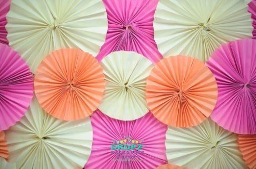 Backdrop - Paper Rosettes Bloom