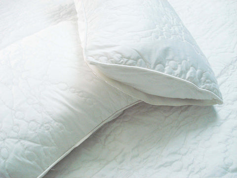 "Cotton off white twin size quilted bedspread with 2 pillows in size 108""x90"" and 20""x26"" - TATVAKALA Home"