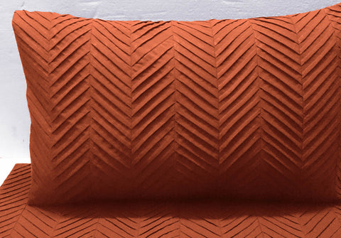 terracota orange zig zag pleated cal king size duvet cover  94x104 inches with 2 pillow cover in size 20 inches x 36 inches - TATVAKALA Home