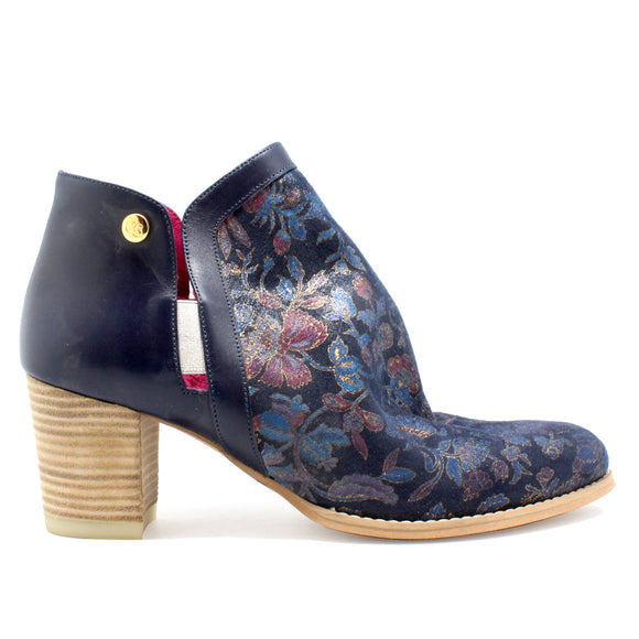 Plume - Navy Flower -LAST PAIR 40!