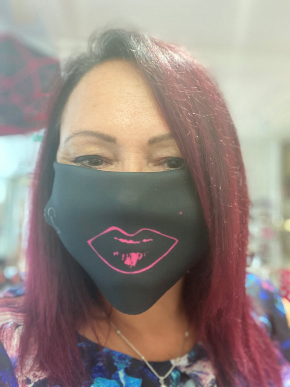 Mask - Lipstick on!